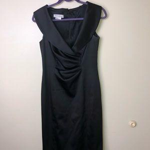 Kay Unger New York. Sleeveless Dress Size 6